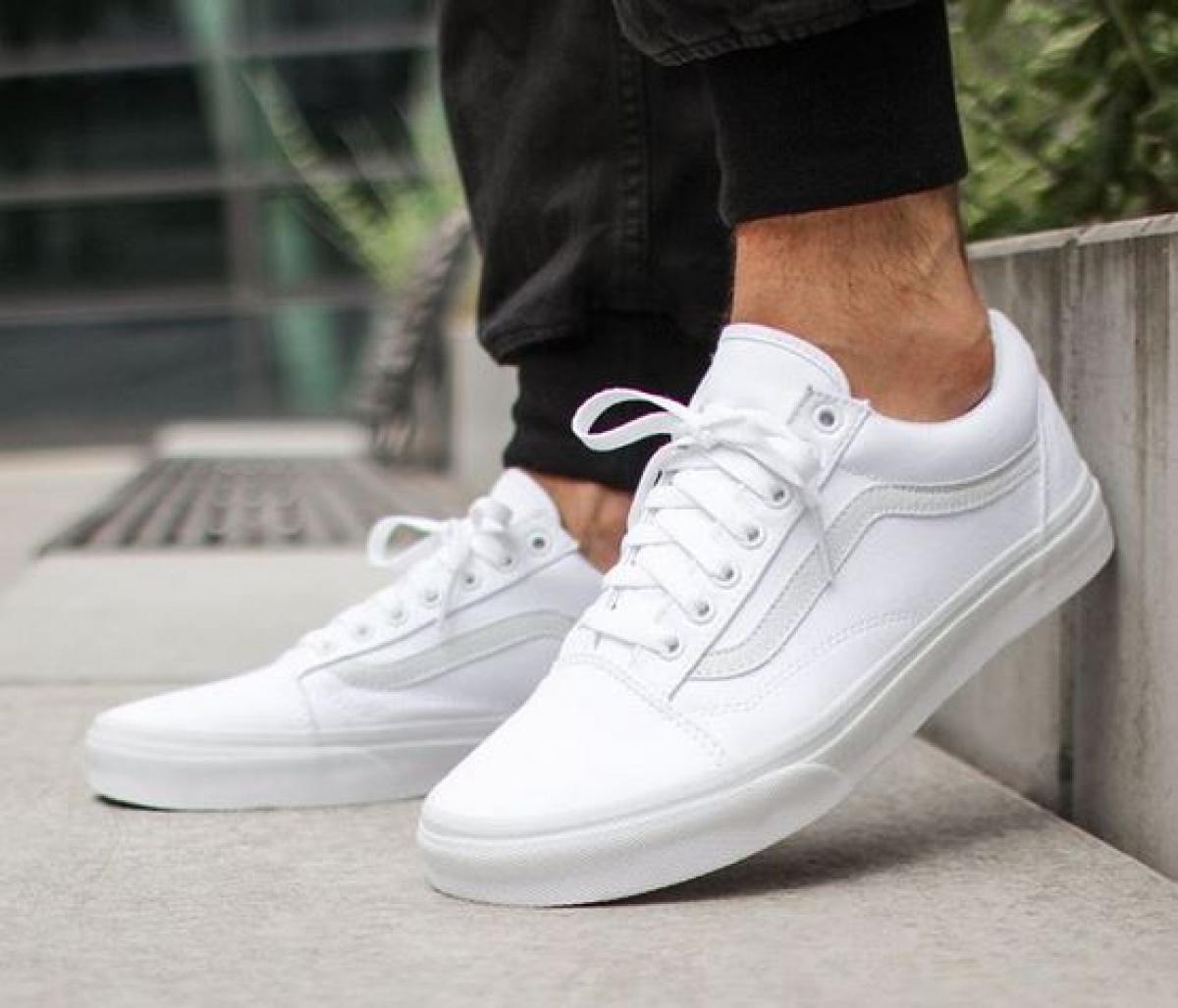 So bleiben Eure weißen Sneaker ein echter Hingucker!