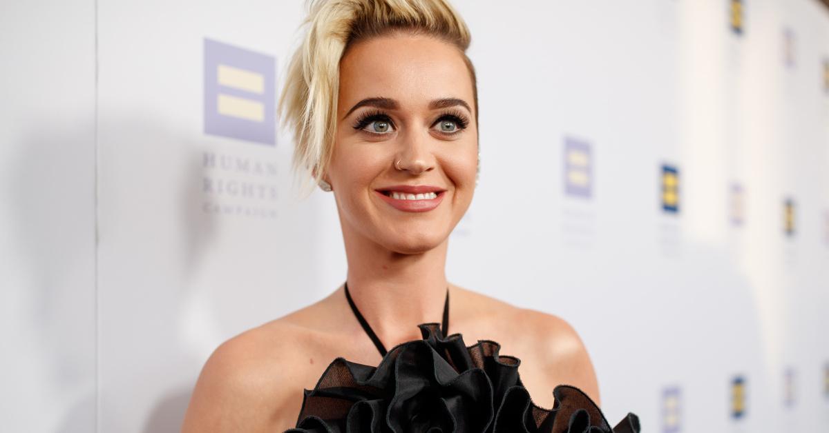 Katy Perry Fühlt Sich Mit Kurzen Haaren Mächtiger Stärker Und Heißer