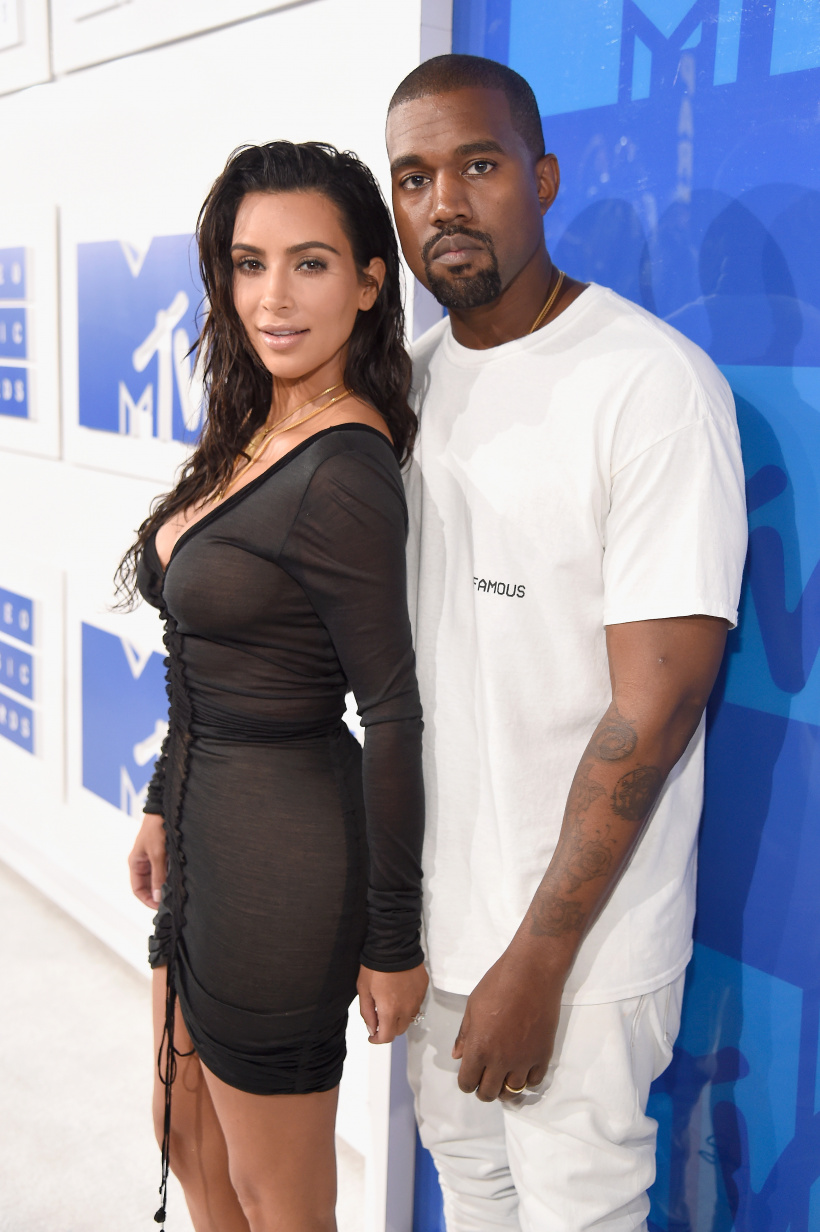 -Kanye-West-and-Kim-Kardashian.jpg