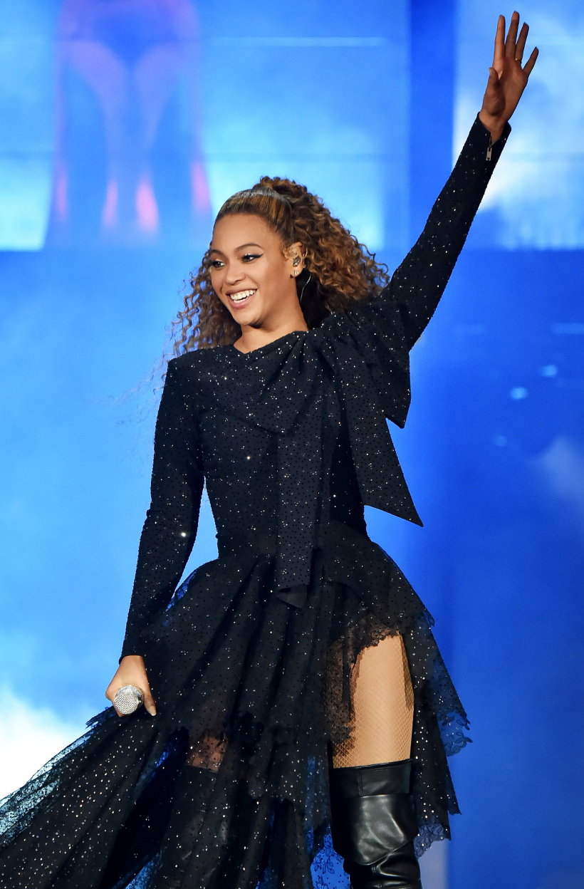 Beyonce-and-Jay-Z-On-the-Run-II-Tour-Opener-Cardiff.jpg