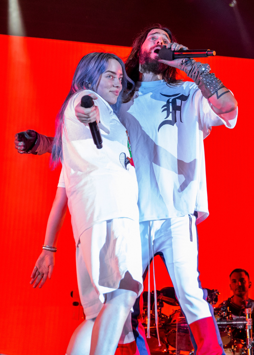 Billie-Eilish-L-performs-with-Jared-Leto-of-30-Seconds-To-Mars.jpg