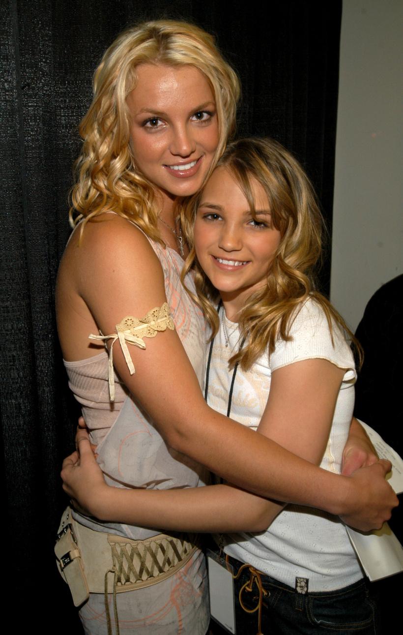 Britney-Spears-and-Jamie-Lynn-Spears-.jpg