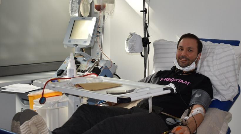 Emrah Kilic bei seiner Stammzellenspende