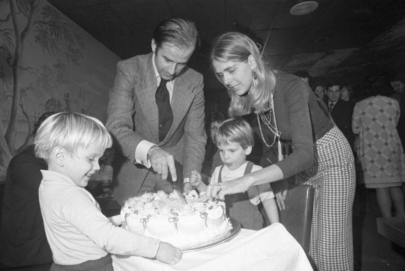 Joe und Neilia Biden mit ihren Söhnen