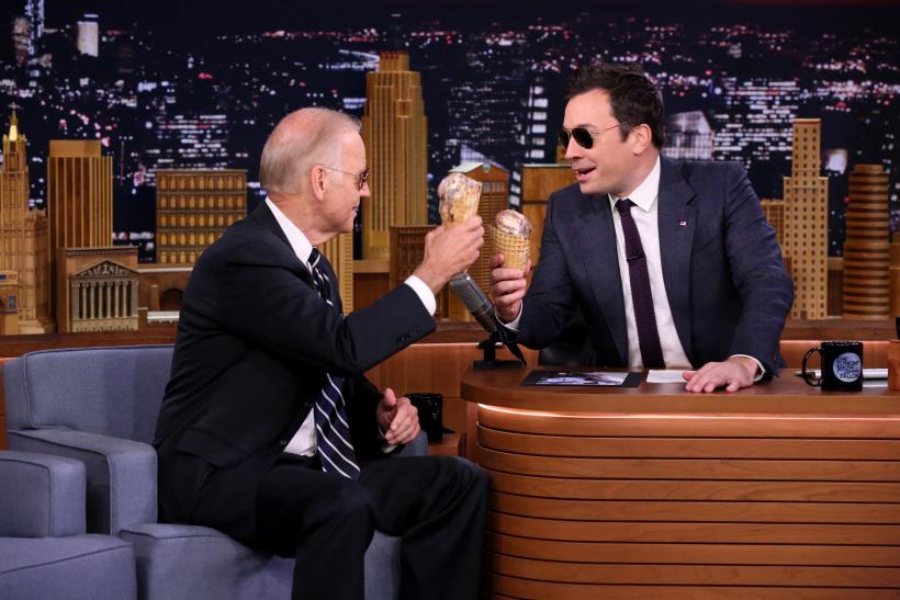 Joe Biden und Jimmy Fallon essen Eis