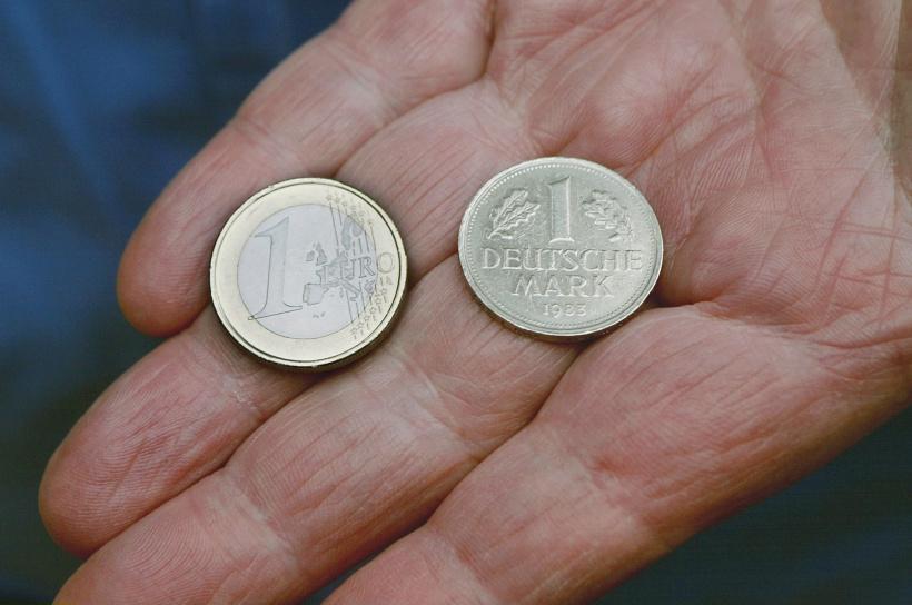 Die deutsche Mark musste weichen: 2002 kam der Euro