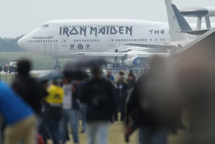 Iron-Maiden-Ed-Force-One.jpg