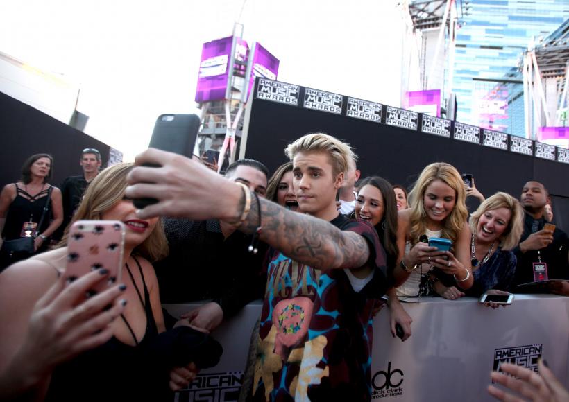 Justin-Bieber-Fans.jpg
