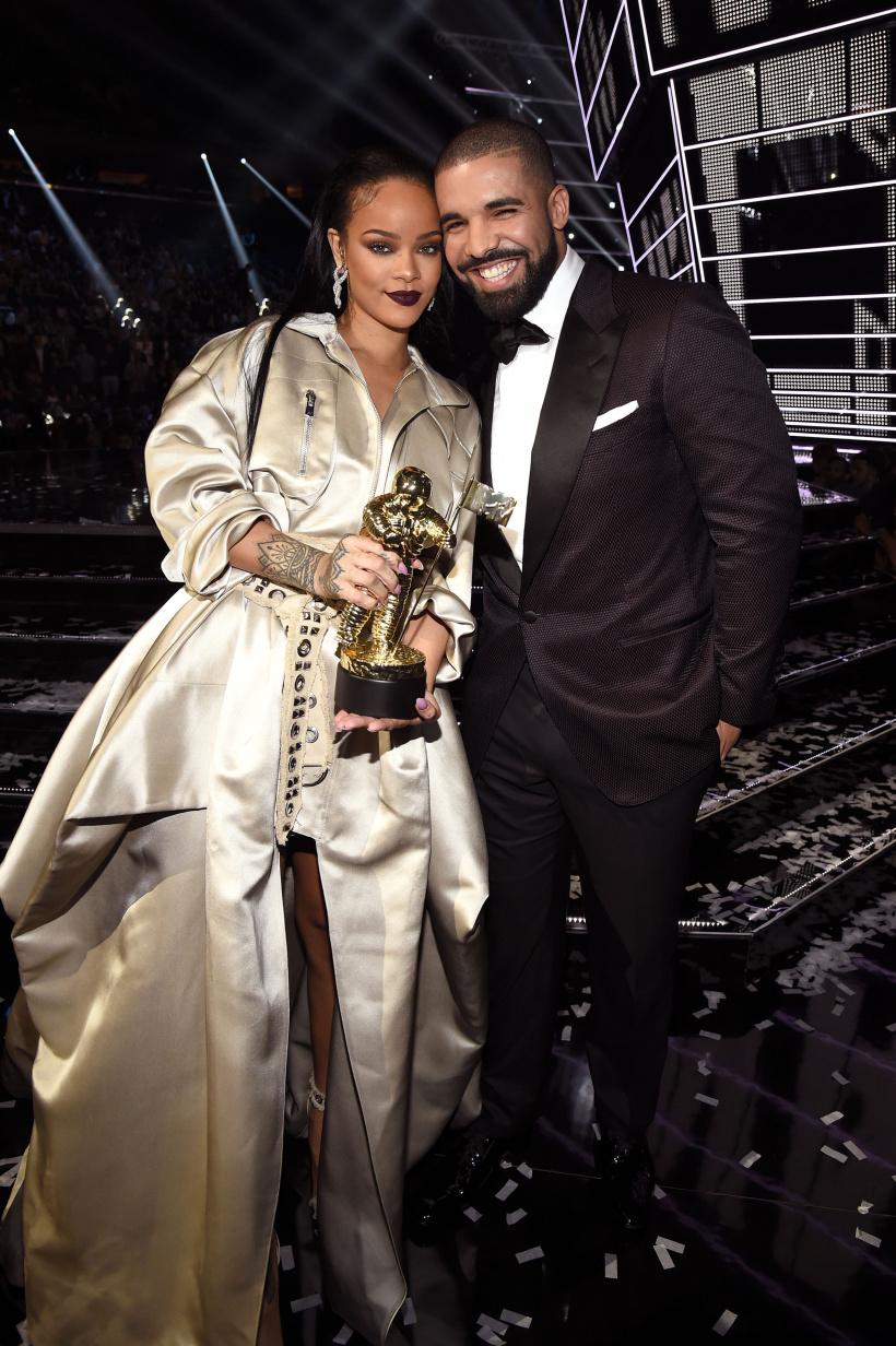 Rihanna-x-Drake.jpg