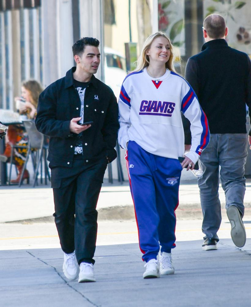Sophie-Turner-and-Joe-Jonas.jpg