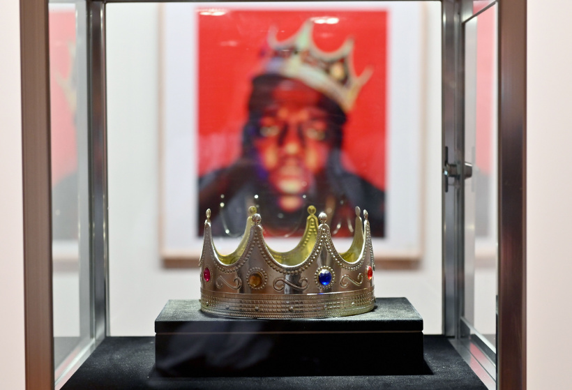 The-crown-worn-by-Notorious-B.I.G.-.jpg