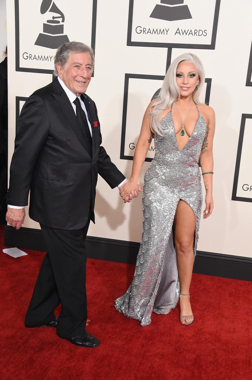 Tony Bennett dan Lady Gaga Grammy .jpg