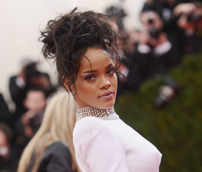 _Rihanna_attends_the_Charles_James_Beyond_Fashion_Costume_Institute_Gala_at_the_Metropolitan_Museum.jpg