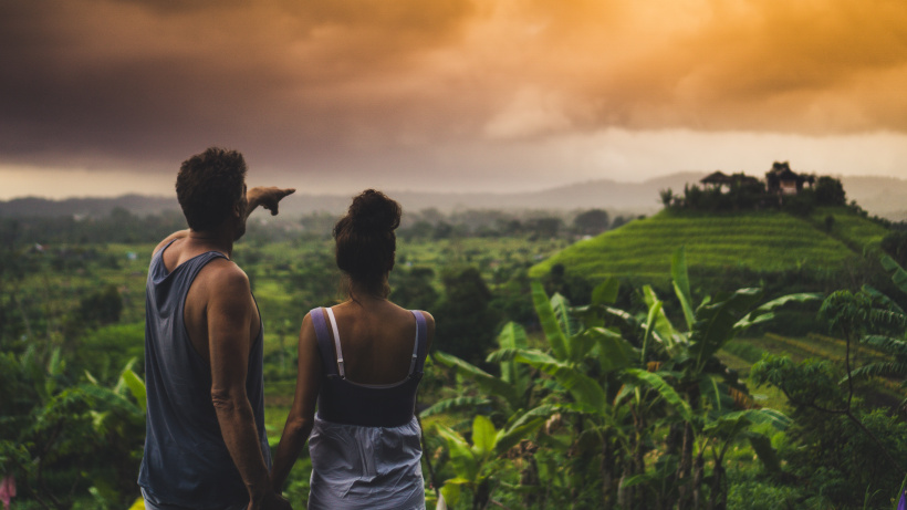 Touristen auf der indonesischen Trauminsel Bali