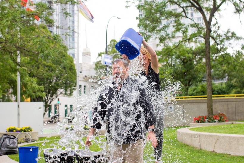 Das Internetphänomen der Ice Bucket Challenge hat tatsächlich Wirkung gezeigt