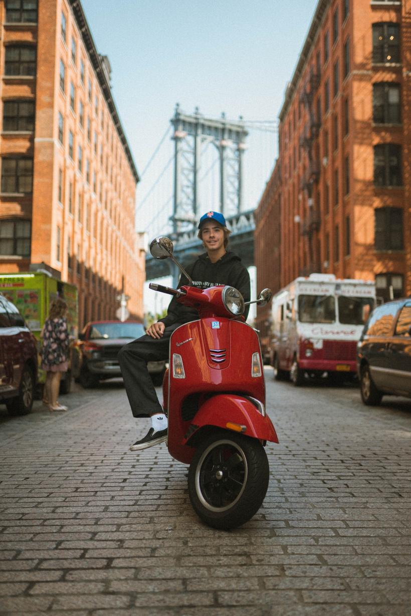 Das Mindestalter für den Erwerb einer Moped-Fahrerlaubnis kann angepasst werden
